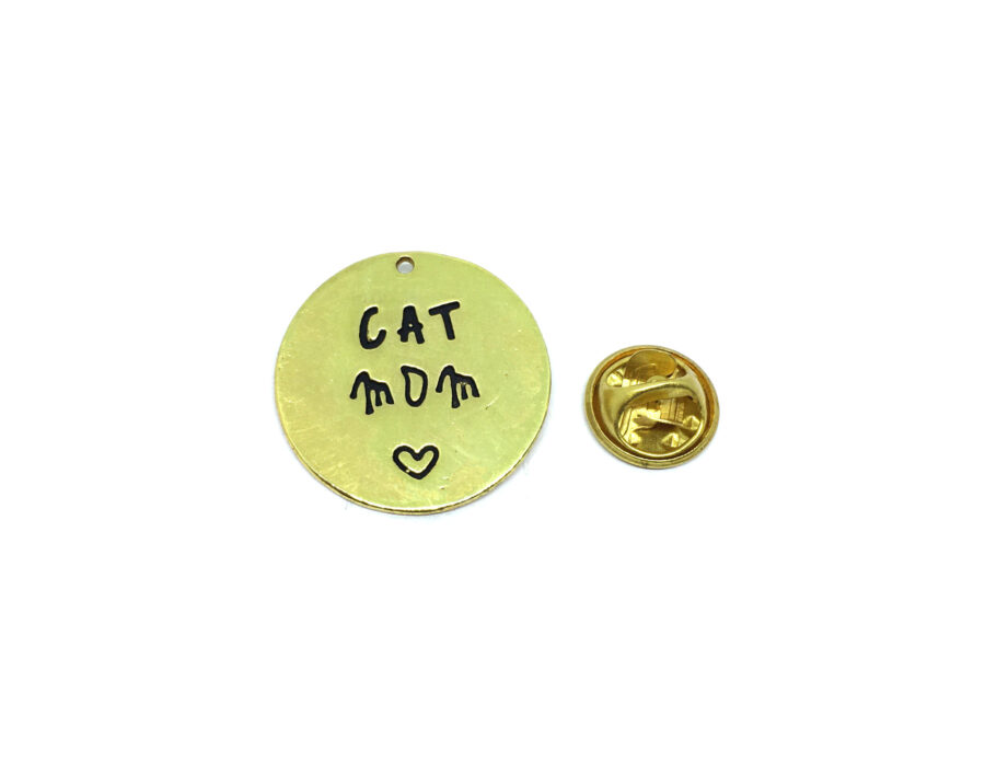 """Gold plated """"CAT MOM"""" Lapel Pin"""