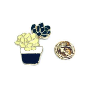 Gold tone Cactus Pin