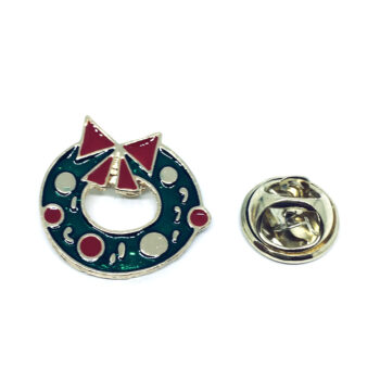 Gold plated Enamel Christmas Pin